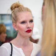 Blondine versext Instagram mit Tattoo-Blitzern (Foto)