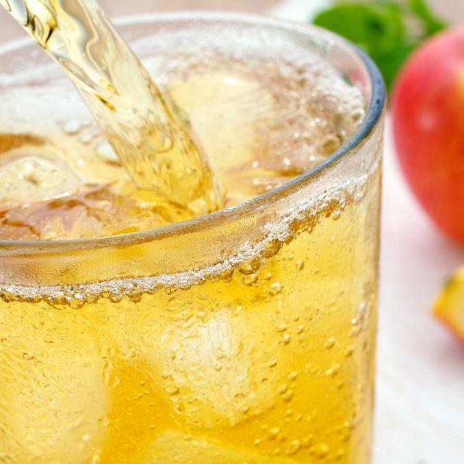 Bloß nicht öffnen! DIESE Apfelschorle wird zurückgerufen (Foto)