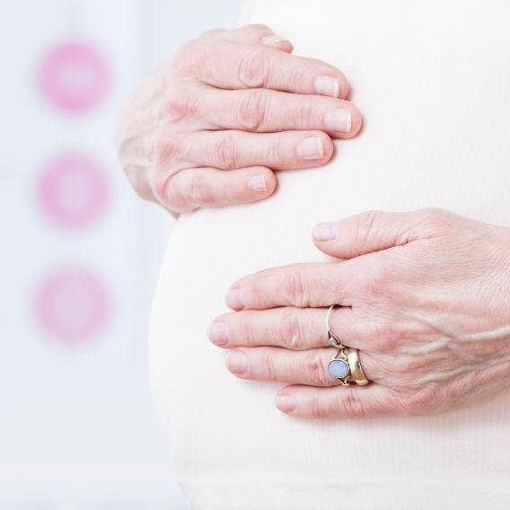 Mit 52 Jahren! Älteste Leihmutter der Welt plant ihr 16. Baby (Foto)