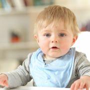 Achtung Erstickungsgefahr! DIESE Lätzchen sind nichts für Babys (Foto)