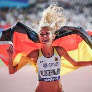 Konstanze Klosterhalfen jubelt bei der Leichtathletik-WM über Bronze