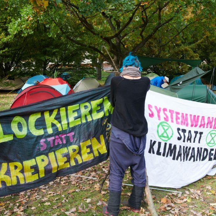 Aktivisten blockieren Paris (Foto)