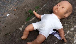 Warum musste das Neugeborene sterben? (Foto)