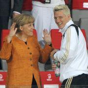 """DIESE rührenden Abschiedsworte findet Angela Merkel für den """"Fußballgott"""" (Foto)"""