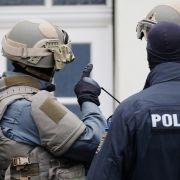 6 Festnahmen nach Razzien wegen rechtsextremen Drohschreiben (Foto)