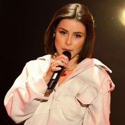 SIE findet die sexy Sängerin voll zum Knutschen (Foto)