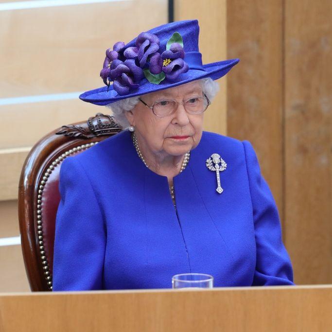 DARUM könnte sie ihre Krone leicht den Kopf kosten (Foto)