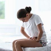 Eine junge Frau litt jahrelang unter Regelschmerzen - der Grund ist bizarr (Symbolbild) (Foto)