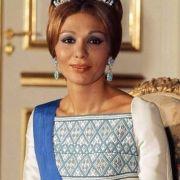 Farah Diba ist die allererste und letze Kaiserin des Iran.