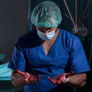 Ärztin reißt junger Mutter Uterus heraus - Patientin stirbt qualvoll (Foto)