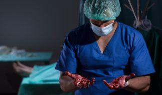 Nach dem Tod einer 22-jährigen Patientin muss sich eine Ärztin aus Russland vor Gericht verantworten (Symbolbild). (Foto)