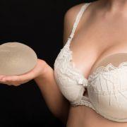 Panik vor Krebs! Moderatorin will Brust-OP rückgängig machen (Foto)