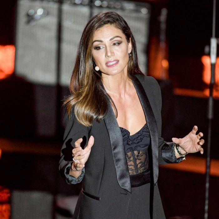 Heißes Sport-Outfit! Hat die Moderatorin HIER ihre Hose vergessen? (Foto)