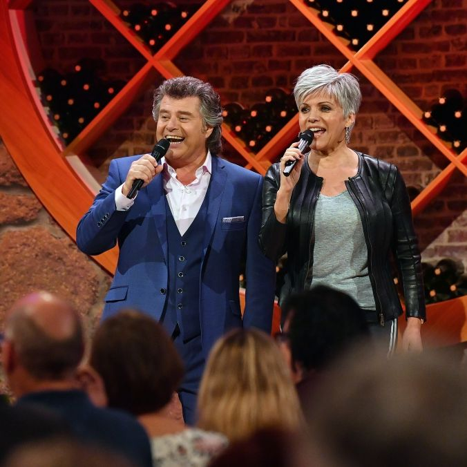 Duett mit Andy Borg! Moderatorin als Schlagersängerin im TV (Foto)