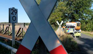 Ein 43-jähriger Mann wurde im niedersächsischen Ganderkesee von einem Zug erfasst und getötet (Symbolbild). (Foto)
