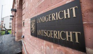 Mehr als 30 Jahre nach dem qualvollen Tod eines kleinen Jungen in einer Hanauer Sekte kommt der rätselhafte Fall vor Gericht. (Foto)
