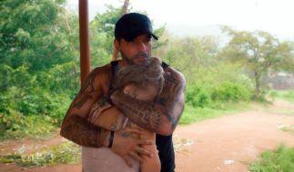 Bachelor in Paradise: Aurelio tröstet Michelle in Episode zwei (Foto)