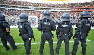 Gewalt auf dem Fußballplatz ist leider keine Seltenheit in Deutschland. (Foto)