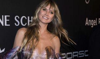 """Heidi Klum sorgte mit einem eigenwilligen Outfit beim """"Angel Ball"""" 2019 für Aufsehen. (Foto)"""