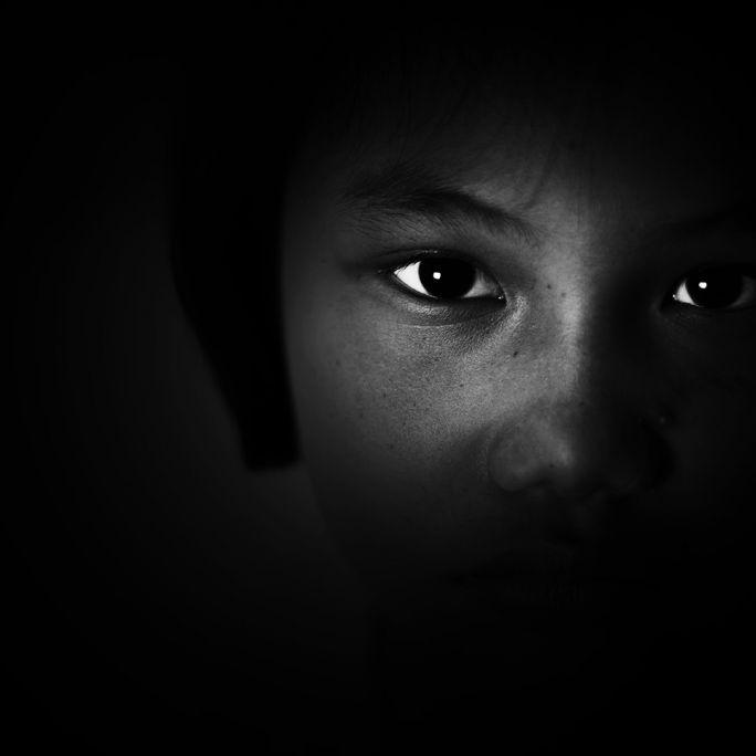 Söhne vergewaltigen 5-Jährige! Eifersüchtige Mutter erwürgt Mädchen (Foto)