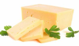 Aufgrund von möglichen Gesundheitsgefahren wird im November 2019 Cheddar-Käse zurückgerufen (Symbolbild). (Foto)