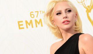 Lady Gaga gewährt ihren Fans auf Instagram einen doppelten Busen-Blitzer. (Foto)