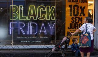 Der Black Friday lockt weltweit etliche Kunden in die Geschäfte. (Foto)
