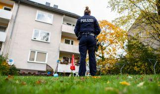 In diesem Mehrfamilienhaus in Detmold soll eine 15-Jährige ihren drei Jahre alten Halbbruder mit einem Messer getötet haben. (Foto)