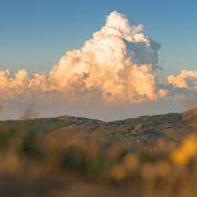 Nimbostratus, Cirrocumulus und Co.: DIESE Wolken sagen Unwetter vorher (Foto)