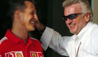 Eine alte Aufnahme zeigt Michael Schumacher und Willi Weber. (Foto)