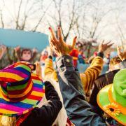 Mann würgt Karnevalisten (22) mit Kabelbinder (Foto)