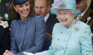 Kate Middleton und Queen Elizabeth II. verstehen sich blendend. (Foto)