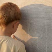 Männliche Nanny missbraucht 17 Kinder - 690 Jahre Knast gefordert (Foto)