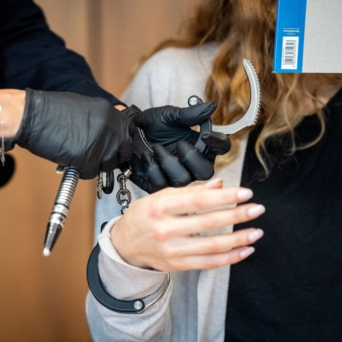 Frau (29) verbrüht Freundin aus Rache für Hundemord - Knast! (Foto)