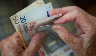 Viele Deutsche fragen sich: Wird die Rente im Alter für ein angenehmes Leben ausreichen? (Foto)