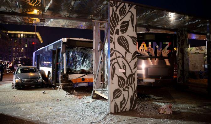 Tödlicher Busunfall in Wiesbaden