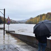Chaos-Wetterlage fordert weitere Todesopfer, Autobahnen gesperrt (Foto)