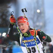 Benedikt Doll holte beim Biathlon Weltcup 2018/19 in der Mixed-Staffel den zweiten Platz.