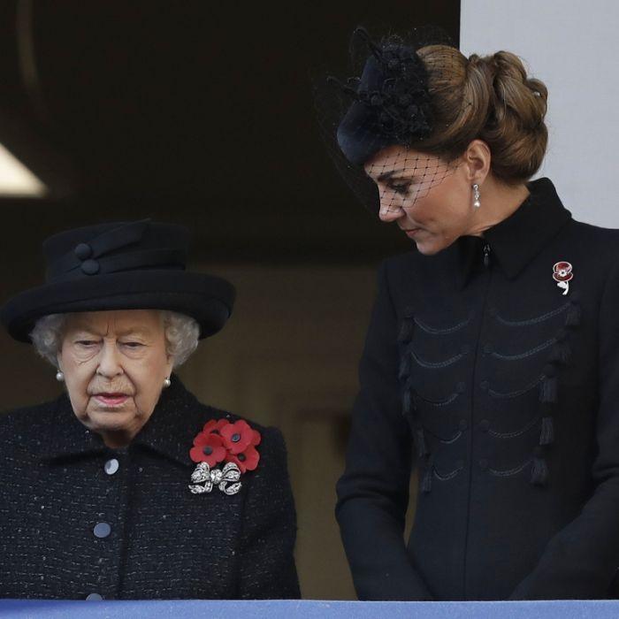 Queen Elizabeth steckt in der Krise! Kann SIE die Monarchie retten? (Foto)
