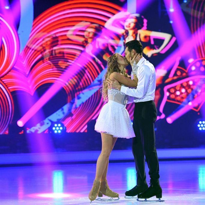"""Bei """"Dancing on Ice""""! Nach der Trennung küsst sie plötzlich IHN (Foto)"""