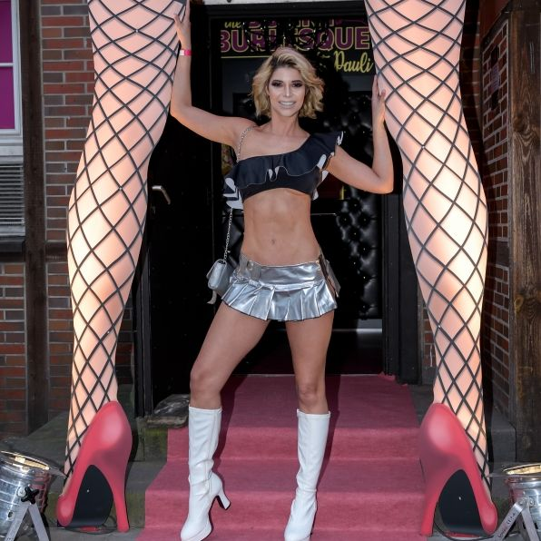 Badgirl! SO tabulos ist ihr neuer Erotik-Kalender (Foto)