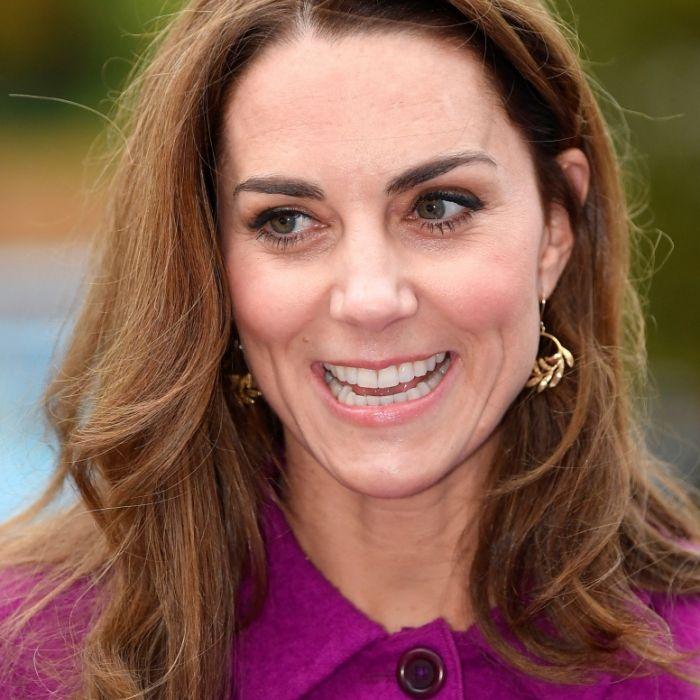 Erwischt! Ohne Prinz William lacht sie mit IHM (Foto)