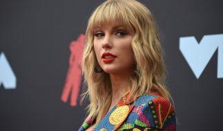 Taylor Swift zeigt ihre Socken (und mehr) bei Instagram. (Foto)