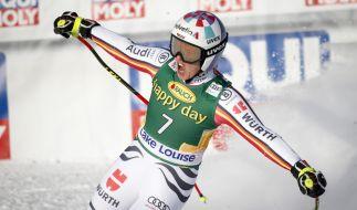 Viktoria Rebensburg freut sich über ihren Triumph. (Foto)