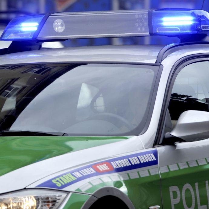 Vom Ex mit Messer bedroht: Frau (24) rast mit Absicht gegen Baum (Foto)