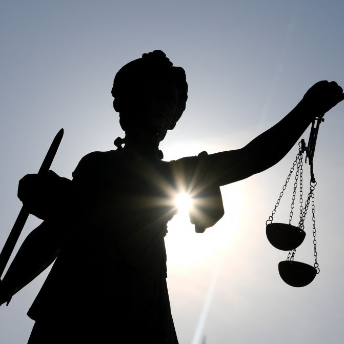 Busfahrer missbraucht behinderte Kinder - Haftstrafe! (Foto)