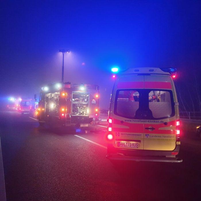 Nebel-Crashs fordern unzählige Verletzte in der Silvesternacht (Foto)