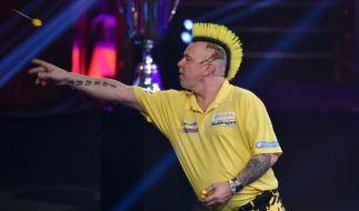 """Bei der Promi-Darts-WM 2020 gibt sich auch der frischgebackene Darts-Weltmeister Peter """"Snakebite"""" Wright die Ehre. (Foto)"""