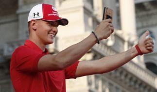 Mick Schumacher hat eine Karriere in der Formel 1 fest im Blick - so wie einst sein Vater Michael Schumacher. (Foto)