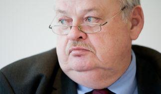 Ex-NRW-Arbeitsminister Guntram Schneider ist mit 68 Jahren gestorben. (Foto)
